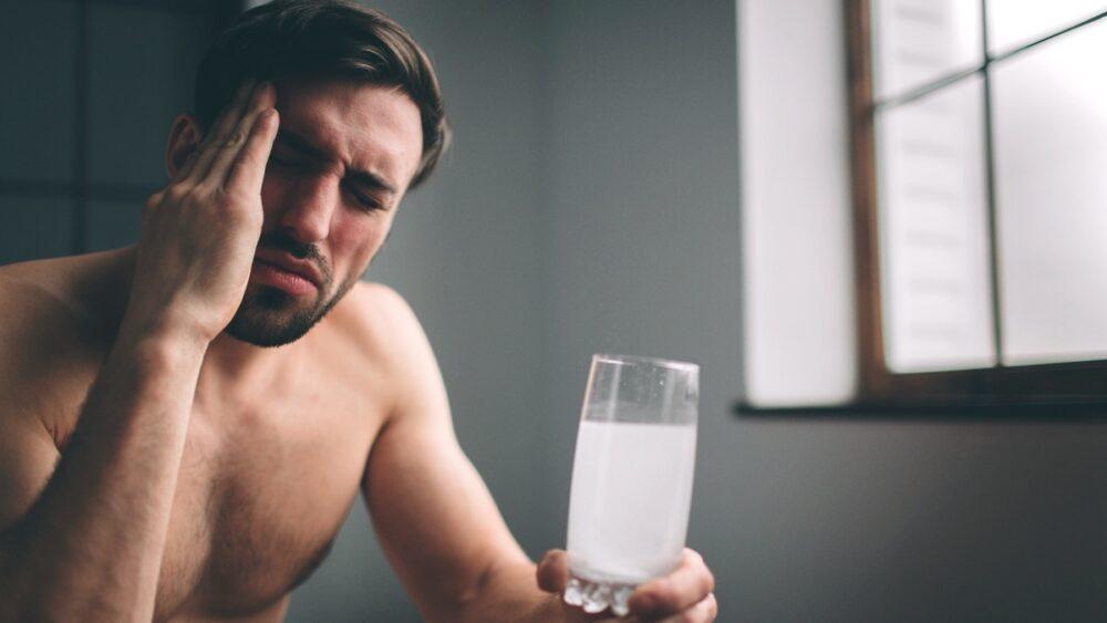 Что нужно делать, если высокое давление с похмелья