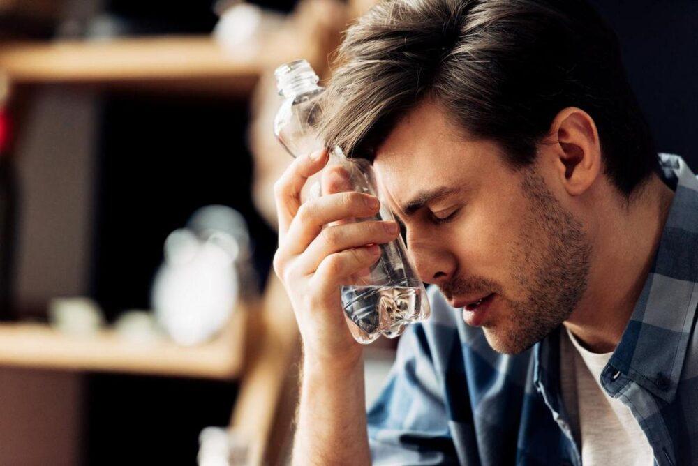 Как быстро отойти от похмелья. 5 проверенных способов