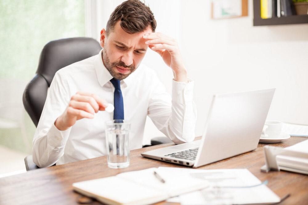 Как бороться с похмельем на работе. 5 проверенных методов